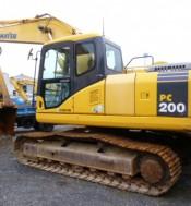 Xe đào KOMAT'SU PC-200
