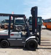 Komatsu FD30-11, Diesel